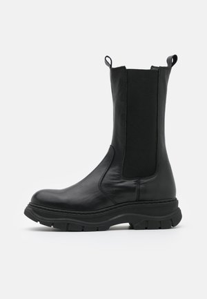 Platform boots - black dream
