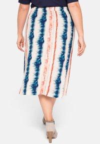 Sheego - A-line skirt - weiß bedruckt - 3