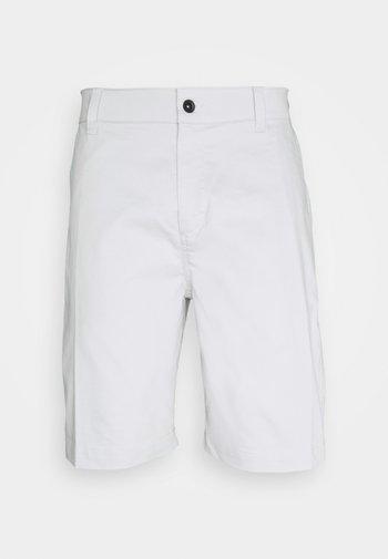 Pantalón corto de deporte - photon dust
