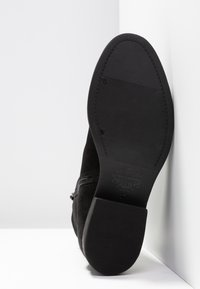 Vagabond - CARY - Winter boots - black - 6