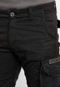 Alpha Industries - CREW - Shorts - black - 5
