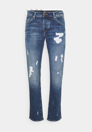 NEW ROCCO DESTROYED - Zúžené džíny - blue