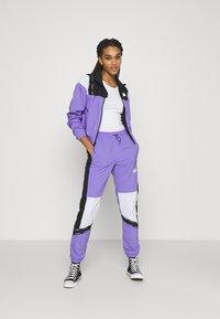 The North Face - WIND JACKET - Training jacket - pop purple/black - 1