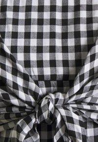Ripe - GINGHAM NURSING DRESS - Denní šaty - black/white - 2