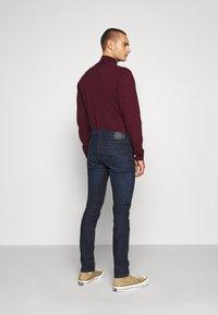 Lee - LUKE - Slim fit jeans - dark-blue denim - 2