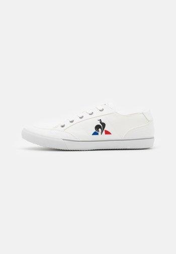 COTTREAU UNISEX - Sneakers laag - white