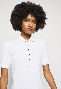 Lauren Ralph Lauren - ATHLEISURE - Pouzdrové šaty - white - 3