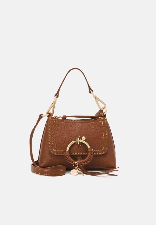 JOAN SMALL - Handtasche - caramello