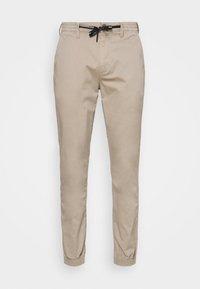 Calvin Klein Jeans - ESSENTIAL CUFFED CHINO - Chinos - string - 0