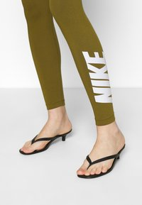 Nike Sportswear - CLUB  - Leggings - olive flak/white - 5