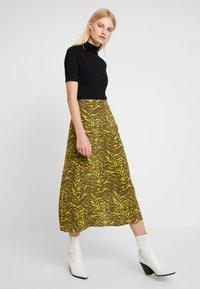 KIOMI - Maxi skirt - oliv/green - 1