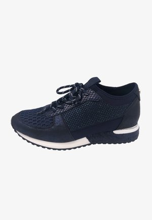 Trainers - blue cracked