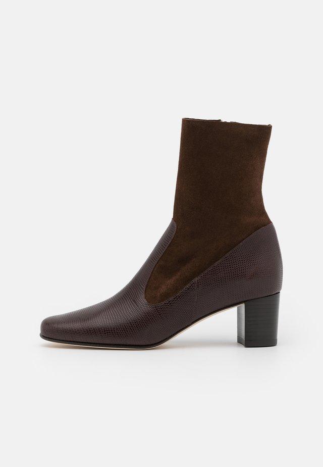FRANCKA - Classic ankle boots - lezard/marron