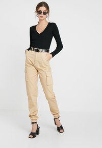 Missguided Tall - PLAIN CARGO TROUSER - Pantaloni - sand - 1