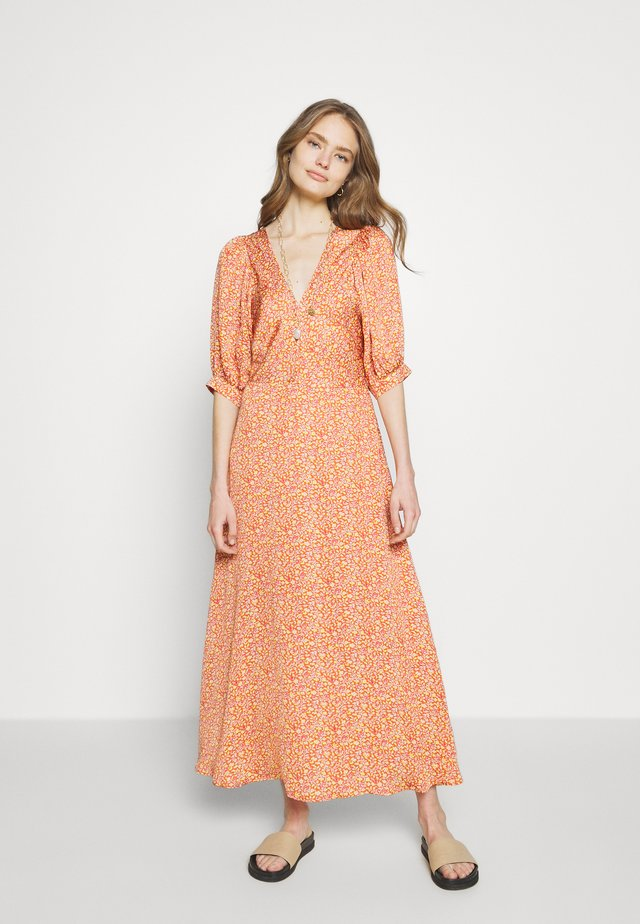 NADETTE - Robe d'été - orange