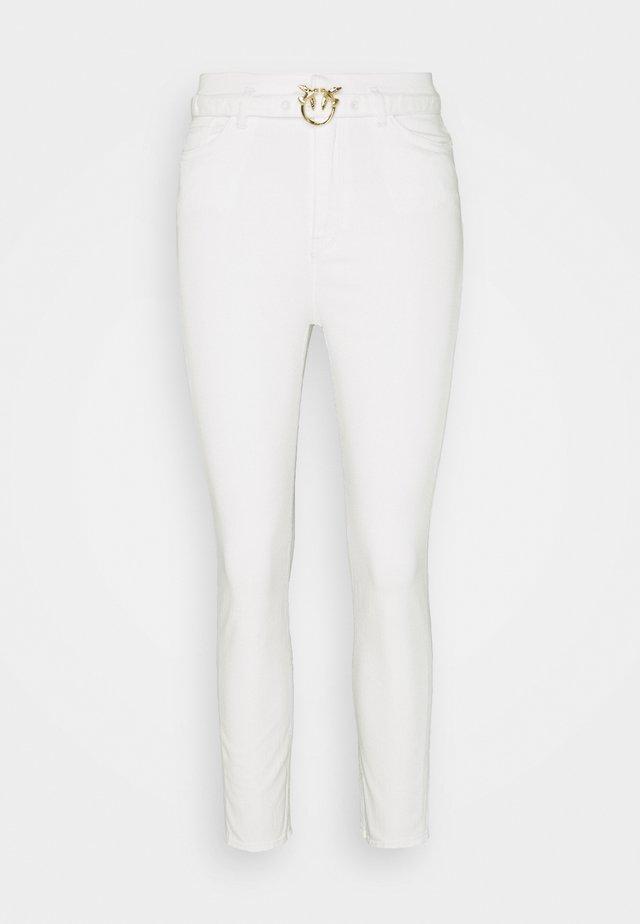 SUSAN BULL COMFORT - Jeansy Skinny Fit - white denim