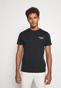 Hummel - HMLKIRBY - Print T-shirt - black - 0