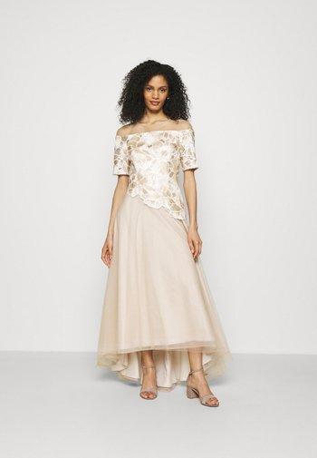 EMBROIDERED GOWN - Společenské šaty - champagne/ivory