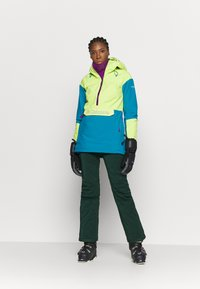 Columbia - DUST ON CRUST INSULATED JACKET - Skijacke - voltage/fjord blue/plum - 1