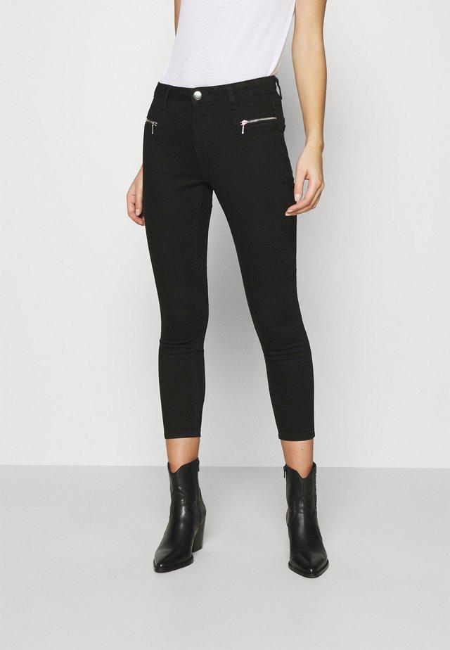 ZIP DARCY - Skinny džíny - black