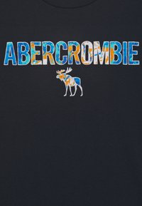 Abercrombie & Fitch - TECH LOGO - T-shirt con stampa - navy - 2