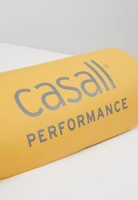 Casall - CASALL EXERCISE MAT 3MM - Fitness/jóga - golden yellow/core white - 3