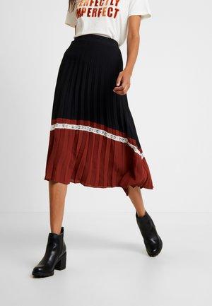 BYGILLI PLISSE SKIRT - A-line skirt - black