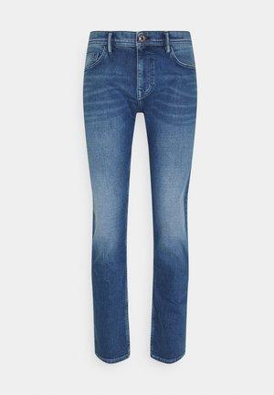 COOLMAX - Slim fit jeans - light blue