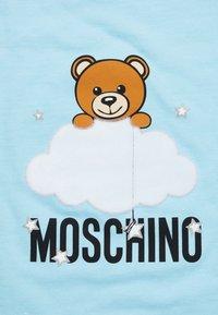 MOSCHINO - BLANKET UNISEX - Lekematte - baby sky blue melange - 5