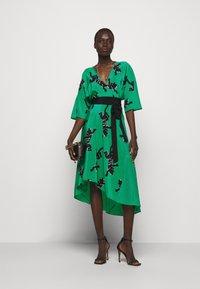 Diane von Furstenberg - ELOISE - Vapaa-ajan mekko - medium green - 1
