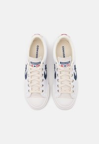 Converse - STAR PLAYER UNISEX - Baskets basses - white/navy/gym red - 3