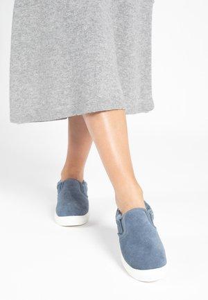 Sneakersy niskie - horizon blue