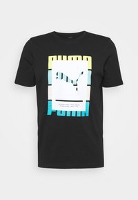 Puma - SUMMER COURT GRAPHIC TEE - Print T-shirt - black - 4