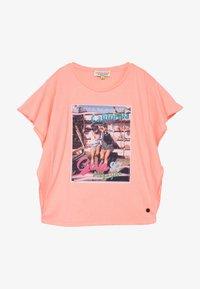 Vingino - HANOESKA - Print T-shirt - soft neon peach - 2