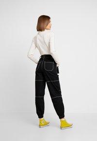 Topshop - CONTRAST GILDA UTILITY - Kalhoty - black - 3