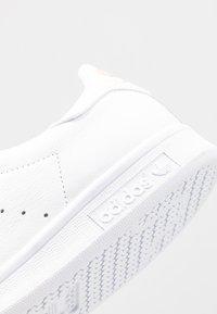 adidas Originals - STAN SMITH - Trainers - footwear white/glow pink - 2