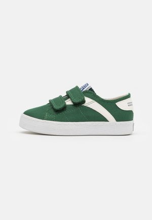 KENNEBECK - Trainers - verde