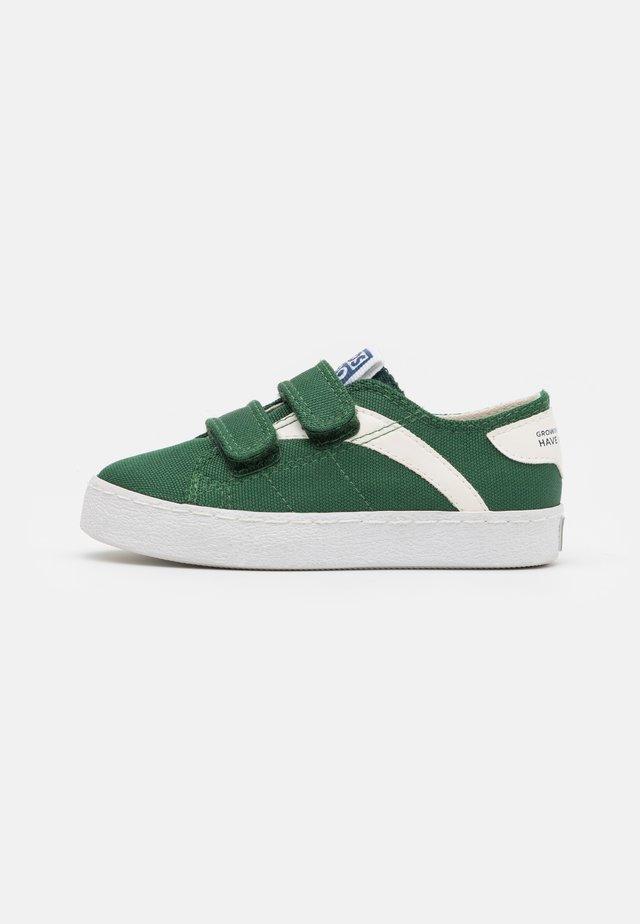 KENNEBECK - Sneakers laag - verde