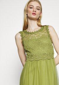 Vila - VILYNNEA MAXI DRESS - Společenské šaty - green olive - 4