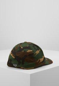 Fox Racing - LEGACY FLEXFIT HAT - Cap - green/black - 3