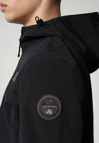 Napapijri - SHELTER HOOD - Light jacket - black - 5