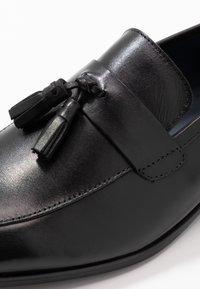 Burton Menswear London - WYATT - Elegantní nazouvací boty - black - 5
