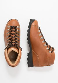 Scarpa - PRIMITIVE UNISEX - Hiking shoes - cognac - 1