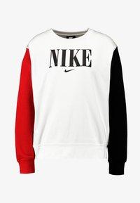 Nike Sportswear - CREW FT HBR - Sweatshirt - white/university red/black - 4
