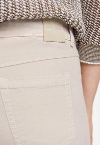 Gerry Weber - Slim fit jeans - beige - 2
