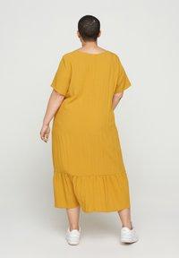 Zizzi - VMACY DRESS - Jersey dress - HARVEST GOLD - 1