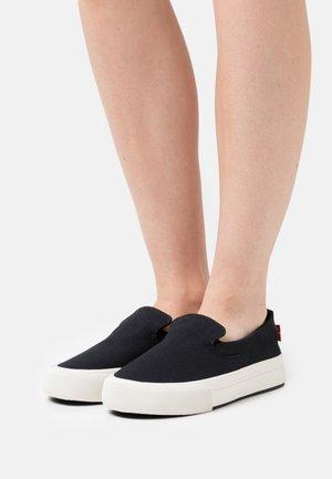 SUMMIT SLIP ON  - Sneakers basse - regular black