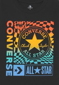 Converse - CHUCK PATCH BOXES TEE - T-shirt con stampa - black - 2