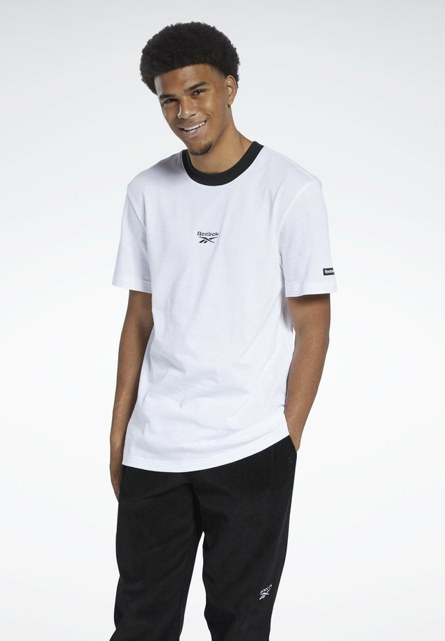 CLASSICS GRAPHIC T-SHIRT - Print T-shirt - white