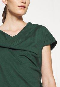 Vivienne Westwood - UTAH DRESS - Jersey dress - green - 5